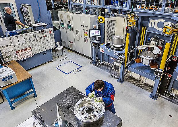 Un nouveau concept de production porteur de résultats opérationnels très élevés pour la division roues et Frein de Safran Landing Systems avec l'outil liquide blaser